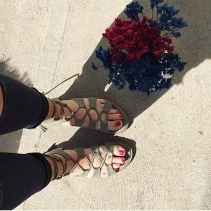 Super soft comfy lace up sandals!